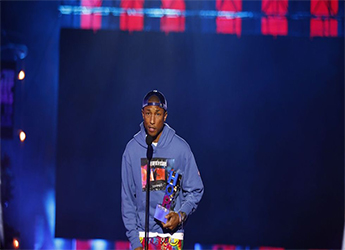 Pharrell Give Impromptu Warning About America's Social Climate During VH1's 'Hip Hop Honors'